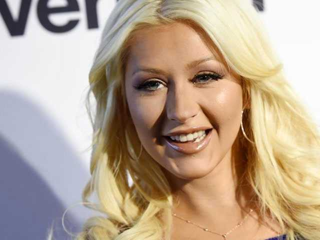 PopUps: Christina Aguilera Teases New Music, Reveals New Album Title