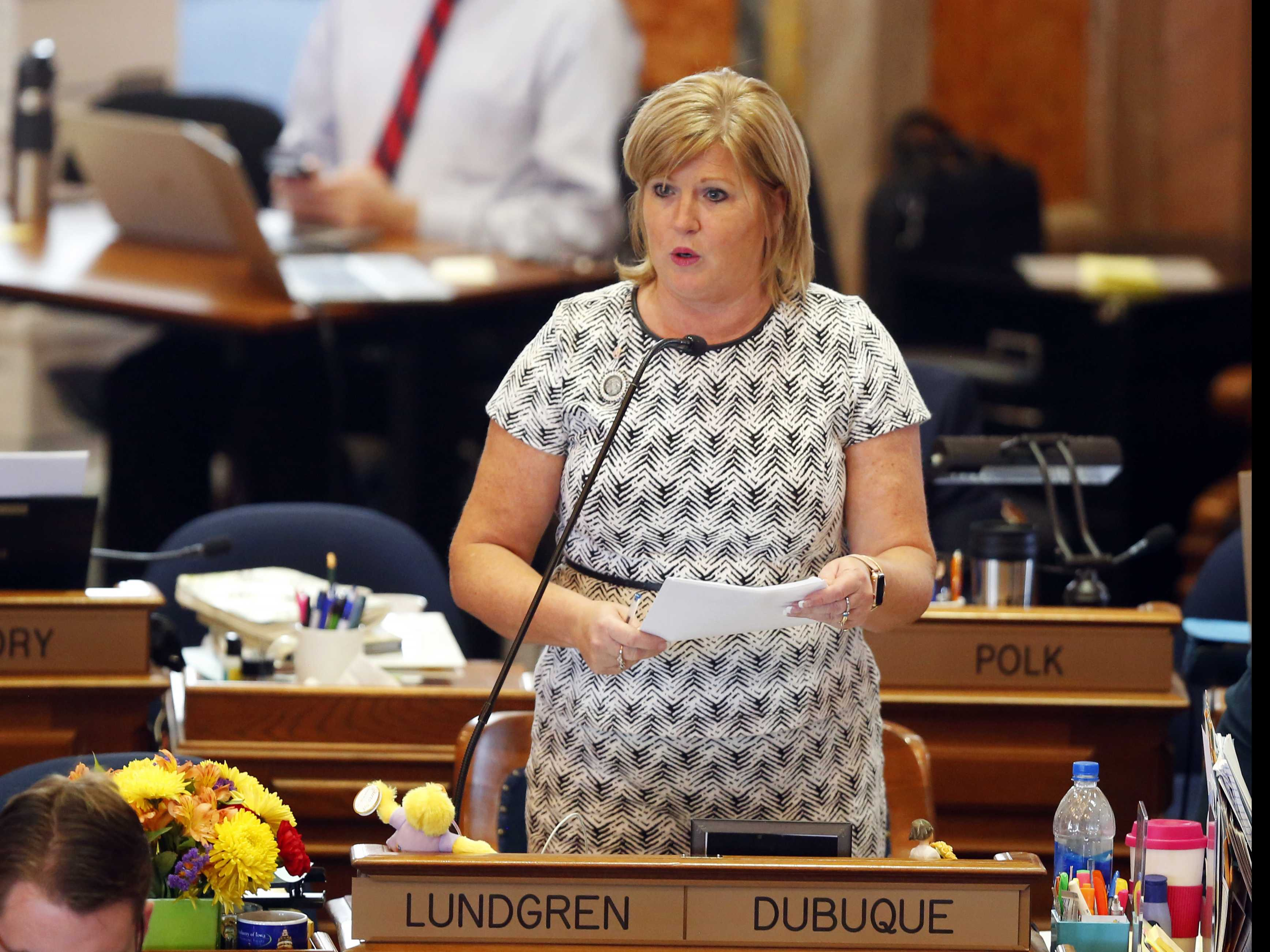 Iowa Lawmakers Send 6-Week Abortion Ban to Governor