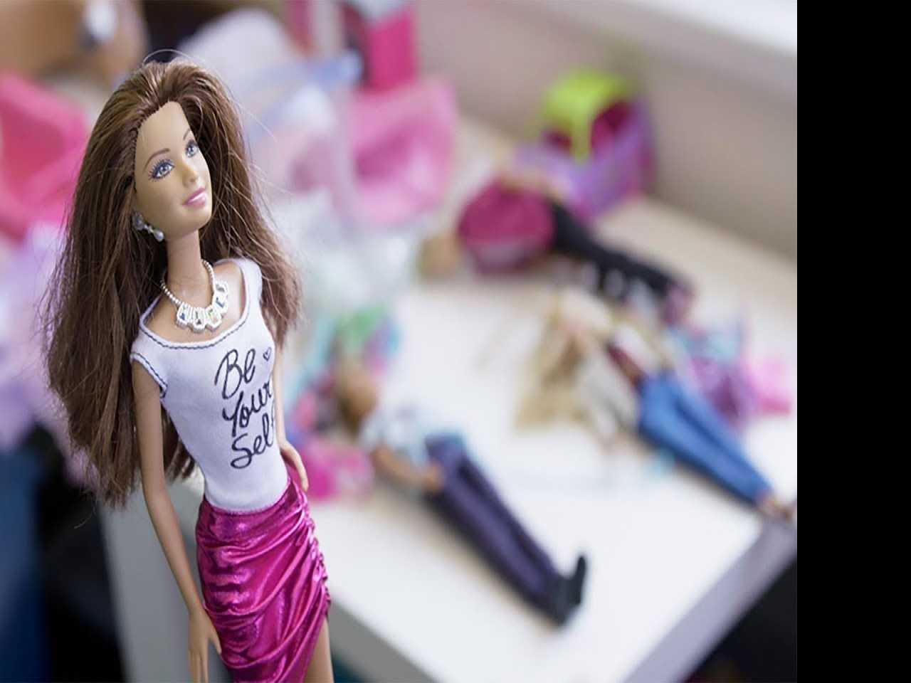 Review :: Tiny Shoulders: Rethinking Barbie