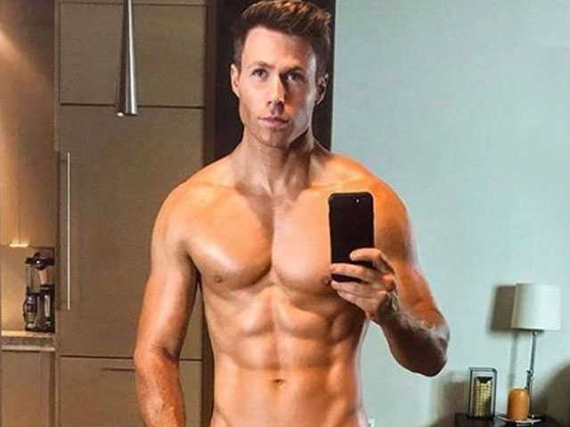 PopUps: O-Town's Ashley Parker Angel Shocks Fans with Leggings Pic