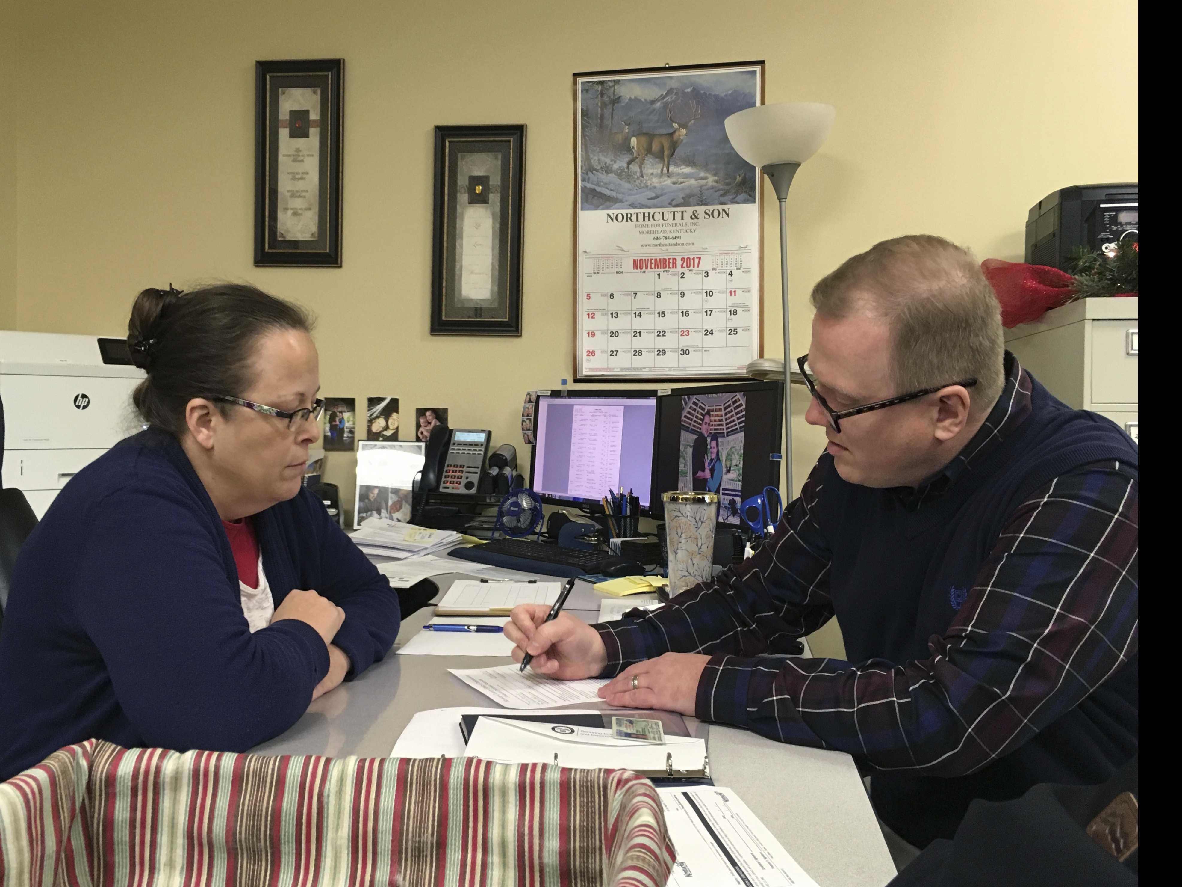 Gay Kentucky Man Loses Bid to Challenge GOP Clerk Kim Davis
