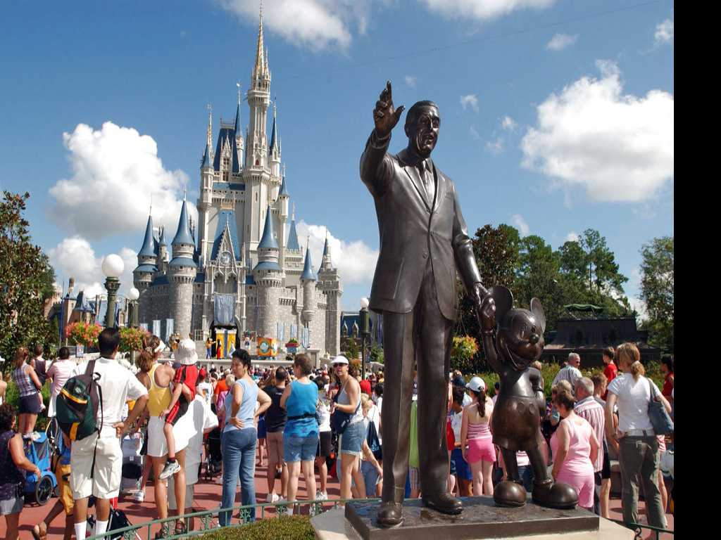 Planning a Disney Trip? Disney Parks Moms Panel Can Help
