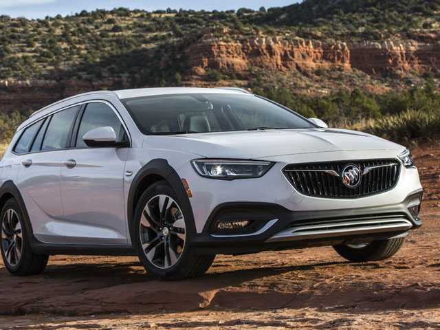 Edmunds Compares Subaru Outback and Buick Regal TourX