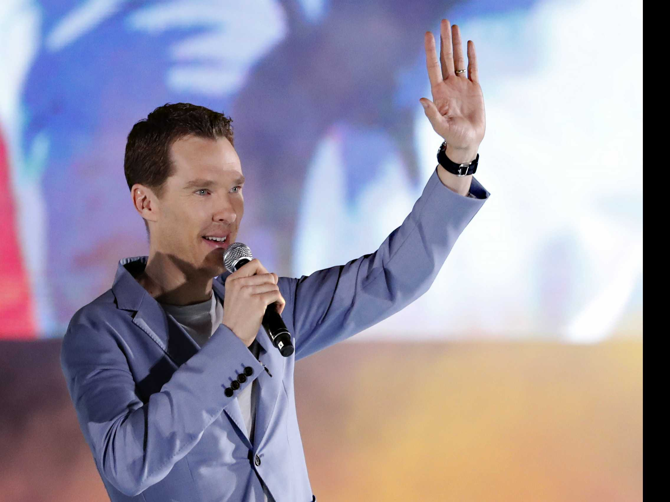 'Sherlock' Star Cumberbatch Praised for Tackling Mugger