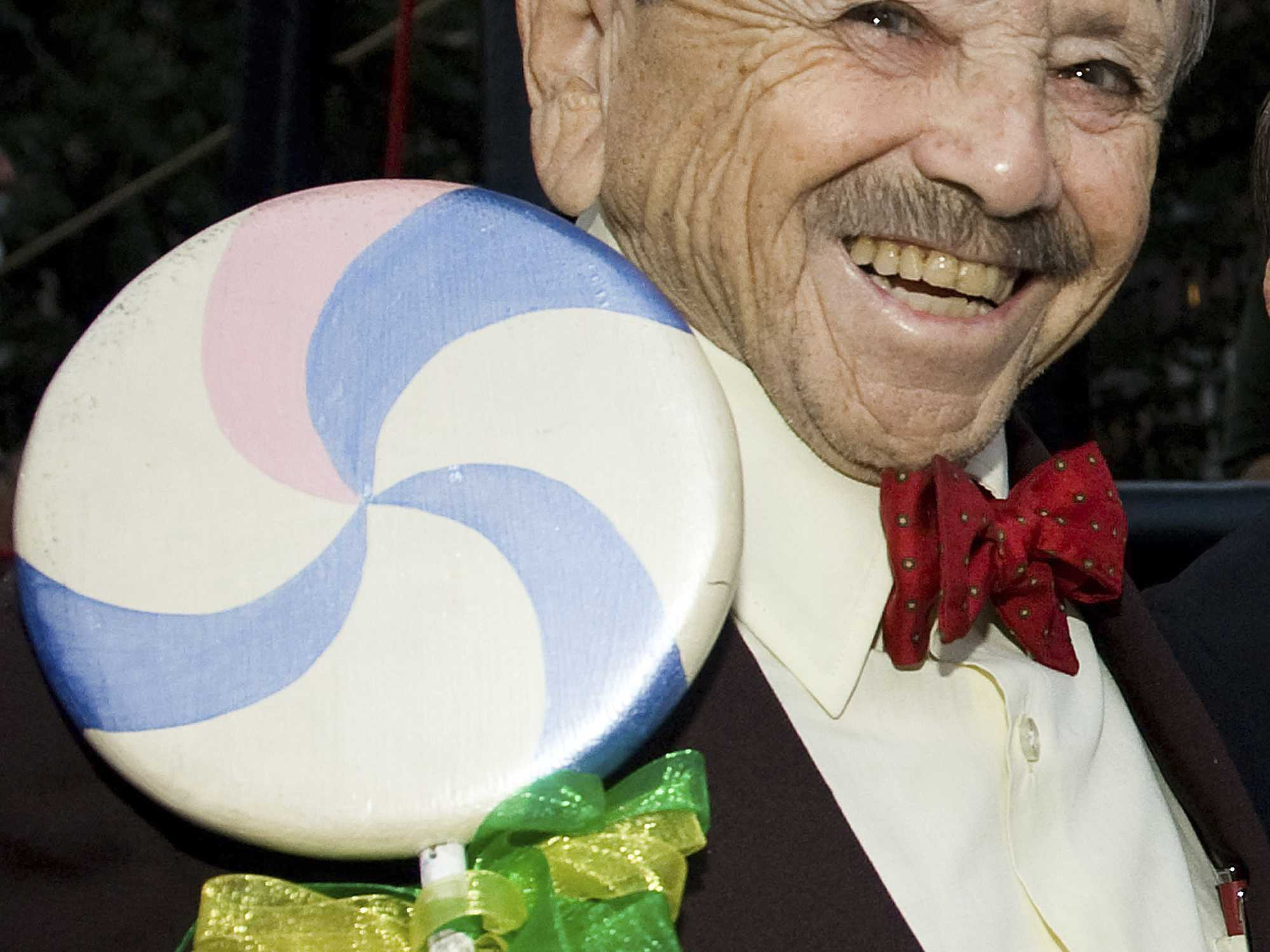 Last Surviving 'Wizard of Oz,' Munchkin Jerry Maren Dies