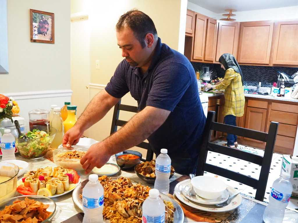 Refugee Syrian Chef Turns Nocturnal in Ramadan