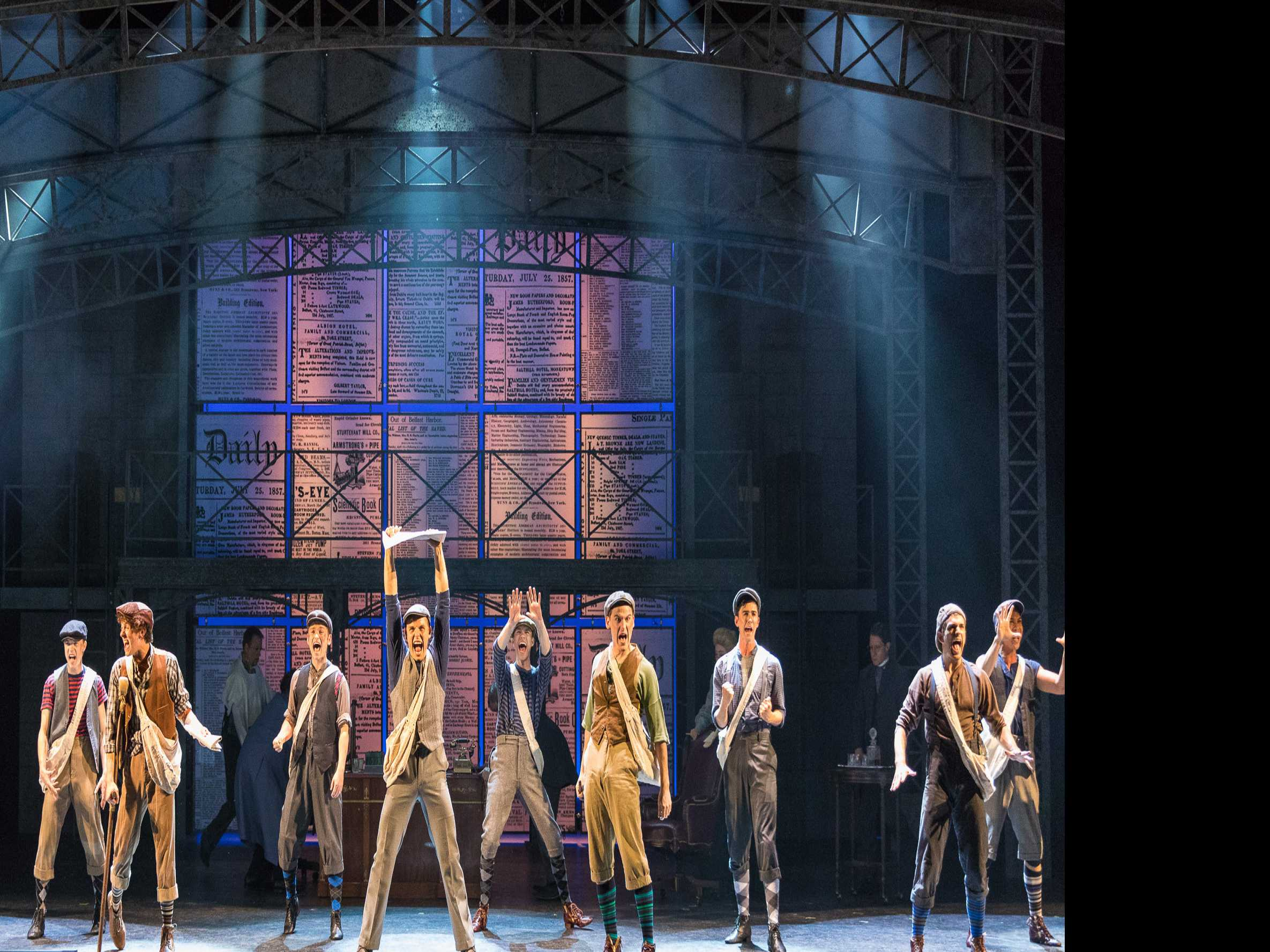 Review :: Newsies