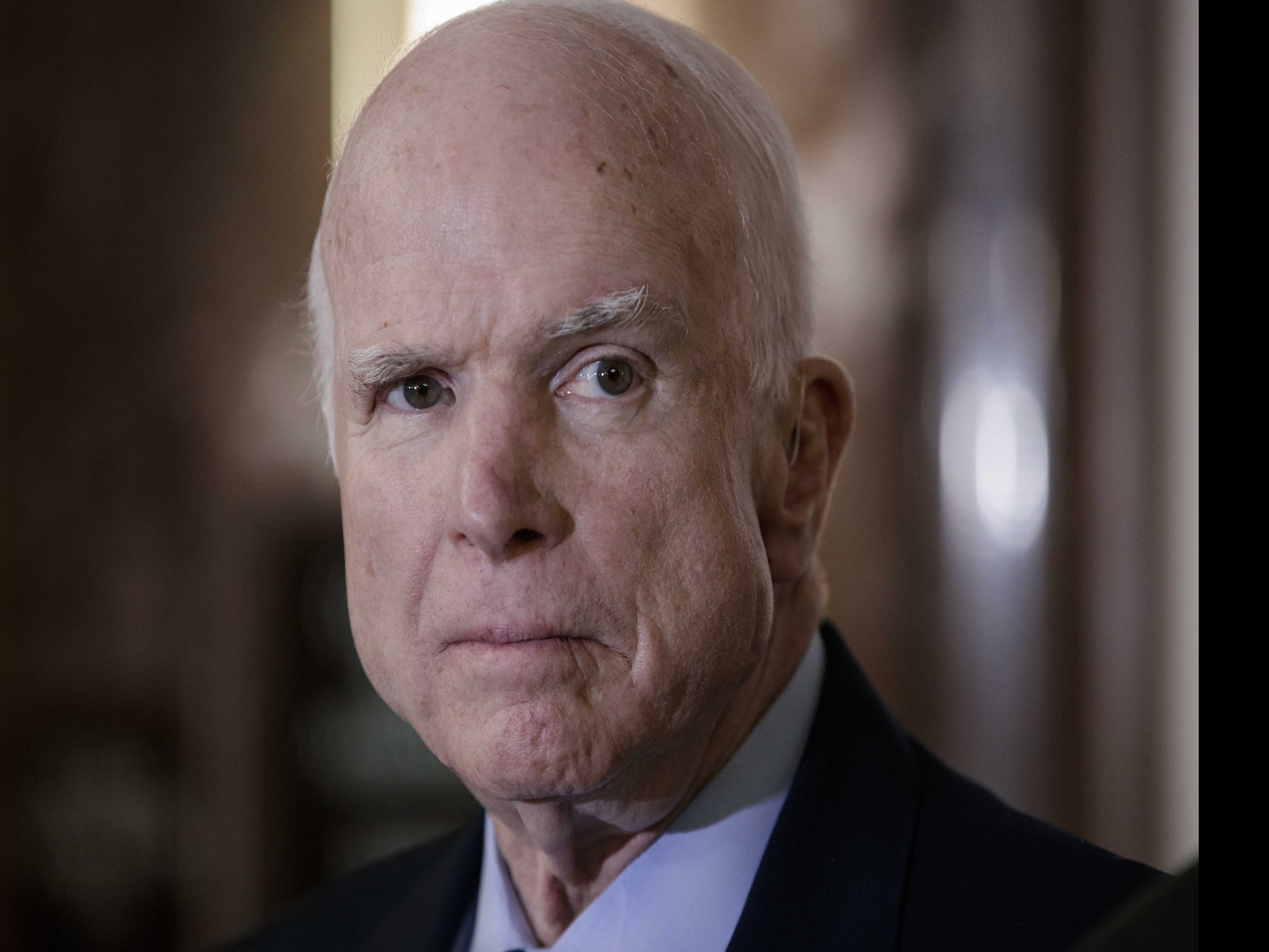 Despite Cancer, McCain's Maverick Ways Press on in Tweets