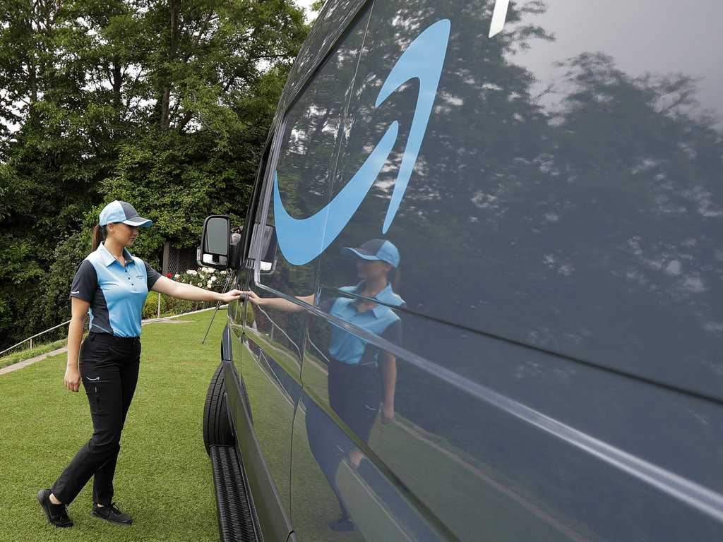 Move Over UPS: Amazon Vans to Hit the Streets