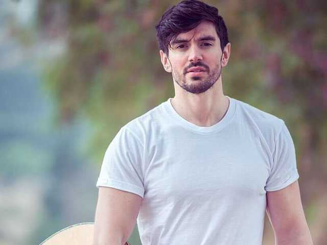 Talking with Steve Grand: Back in Ptown with a New Album