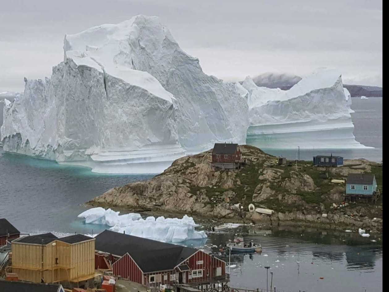 Iceberg 4 Miles Wide Breaks Off from Greenland Glacier