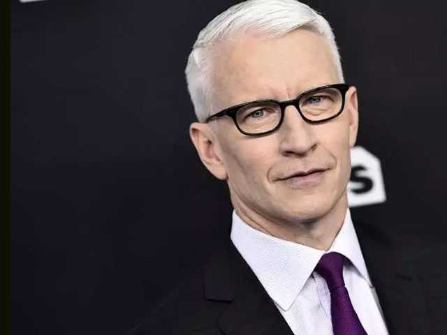 CNN Anchor Anderson Cooper to Receive Walter Cronkite Award