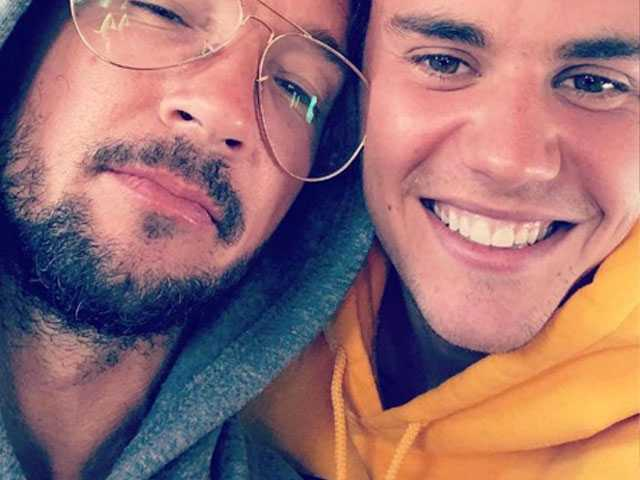 PopUps: Did Justin Bieber 'Break Up' with His Hunky Pastor?