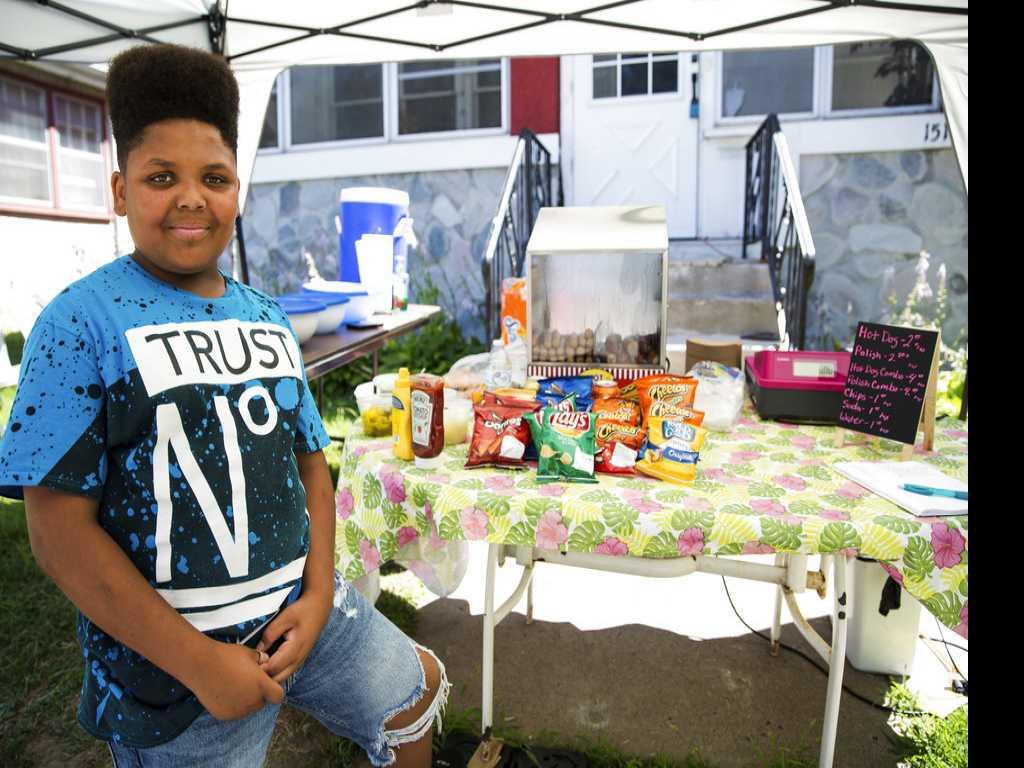 Minnesota Helps Boy Keep His Hot Dog Business