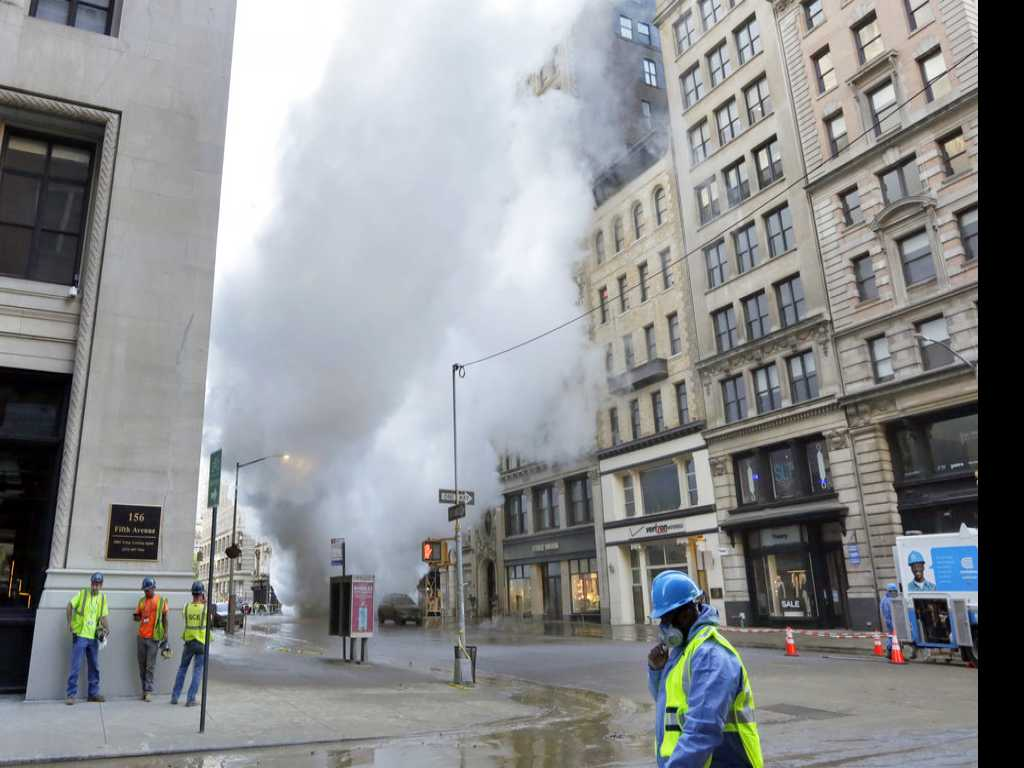 NY Officials: No Health Threat from Steam Pipe Explosion