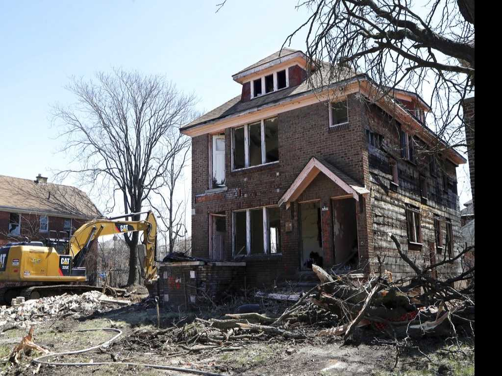 Home Demos May Create New Problem: Lead-Tainted Dust