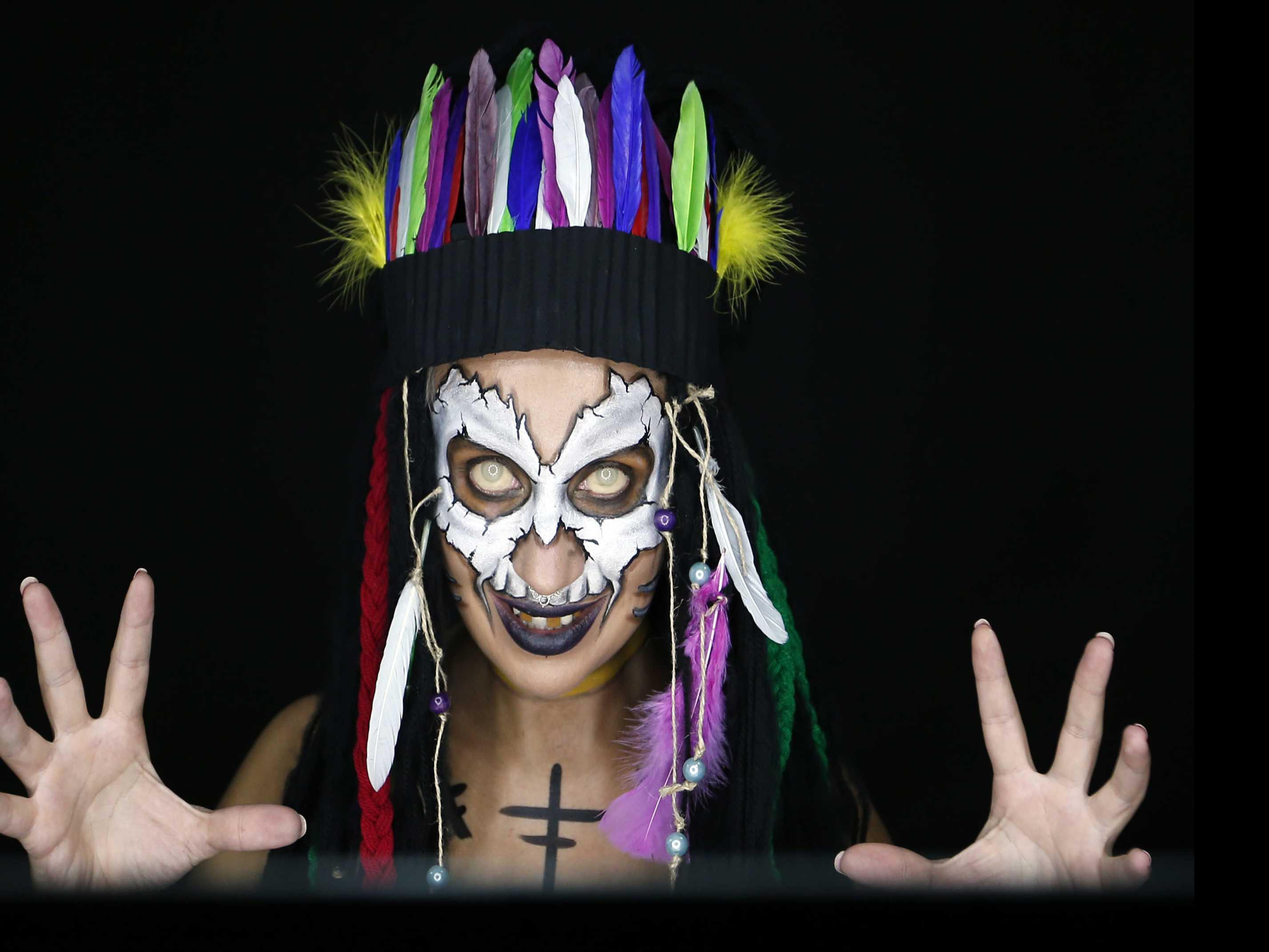 Art of Illusion: Face Paint Transforms Serbian Makeup Pro