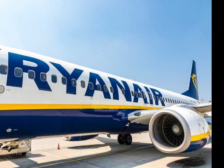 Man Dressed as Tinkerbell Ousted from Ryanair Flight