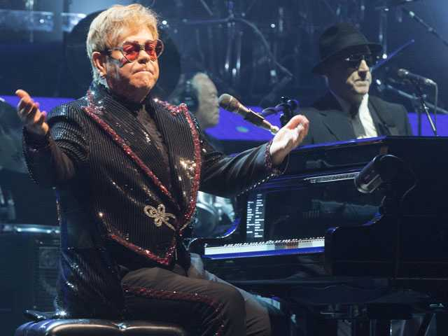 A Confident Elton John kicks Off Farewell Tour with Flair