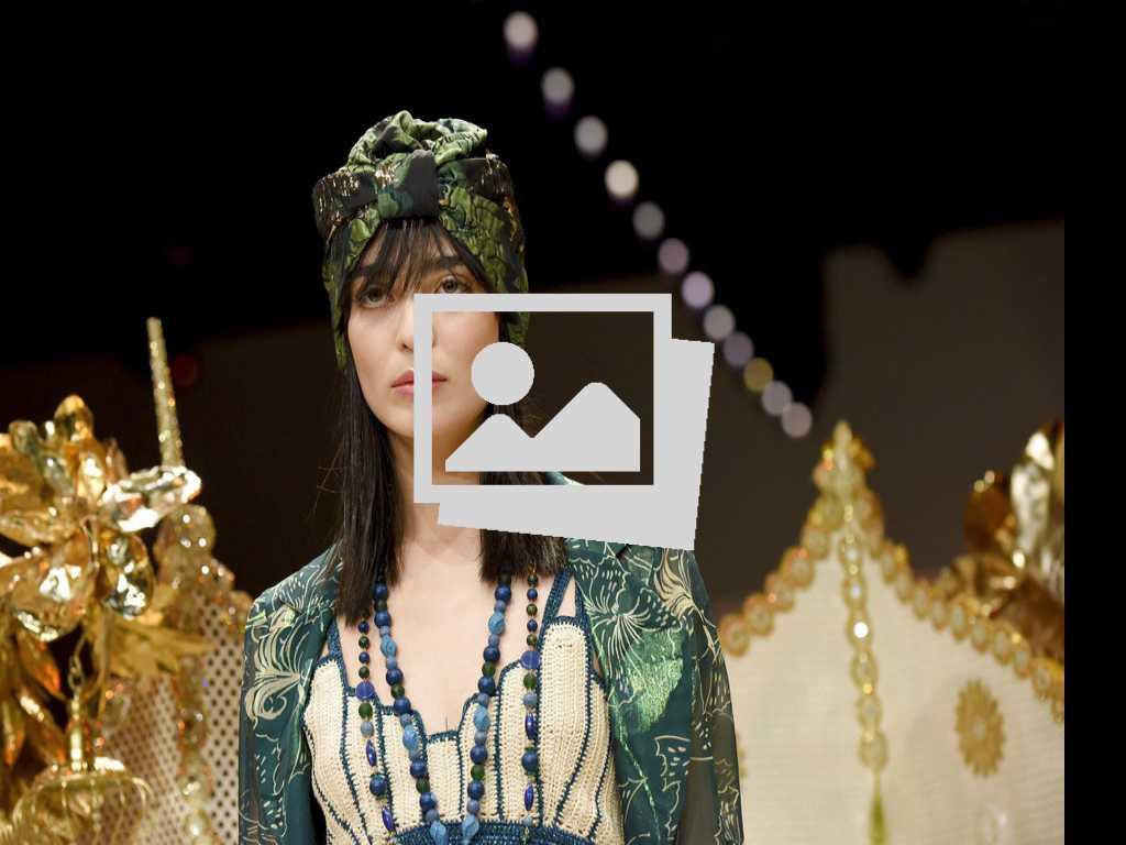 Closer Look: Anna Sui Spring '19 at NY Fashion Week