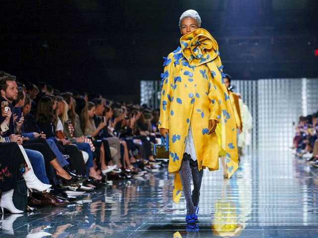 Marc Jacobs Delivers Glamour at New York Fashion Week