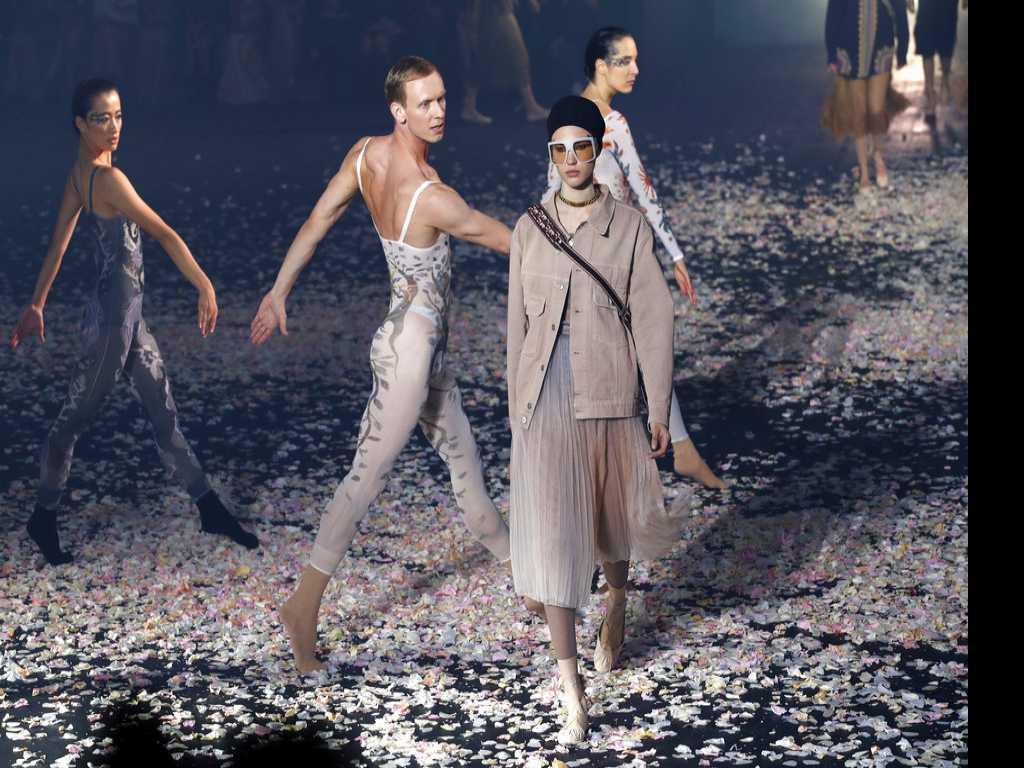 Dior and Gucci Kick Off Paris Fashion Week