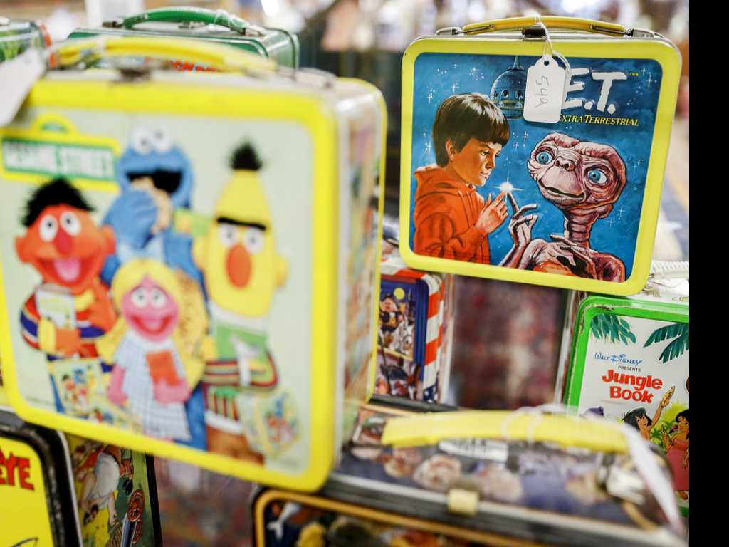 Lunch with Bert and Ernie? Vintage Lunchbox Collection on Sale