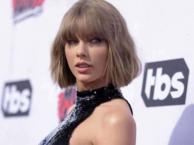 Taylor Swift Makes Politics Personal with Endorsement