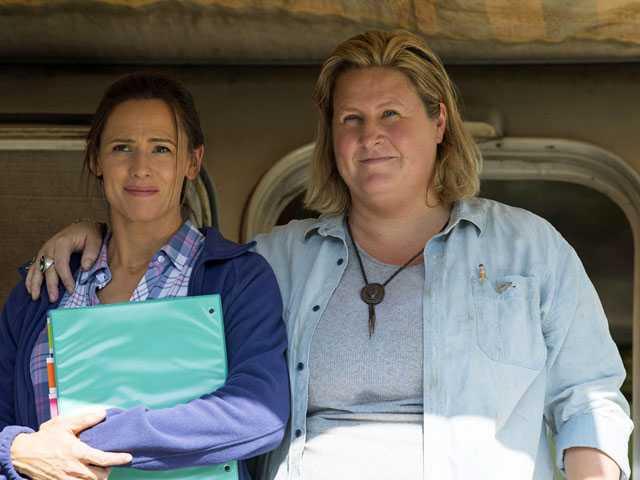 Lena Dunham's HBO Comedy 'Camping,' Starring Jennifer Garner, is a Bad Trip
