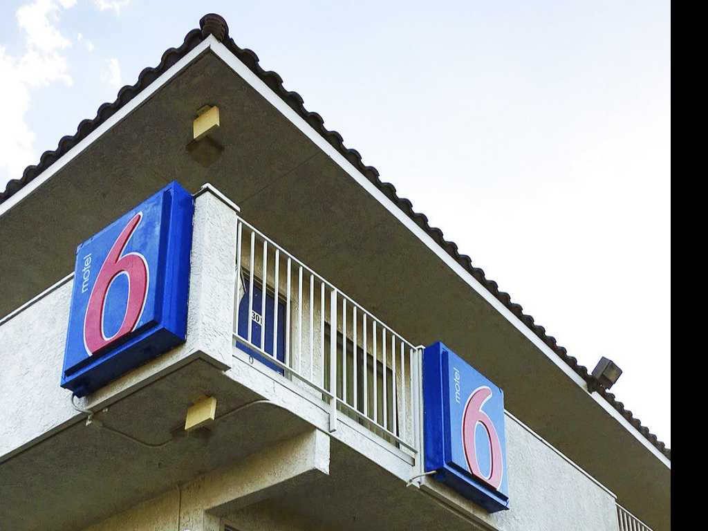Motel 6 to Pay $7.6 Million for Reporting Guests to Immigration