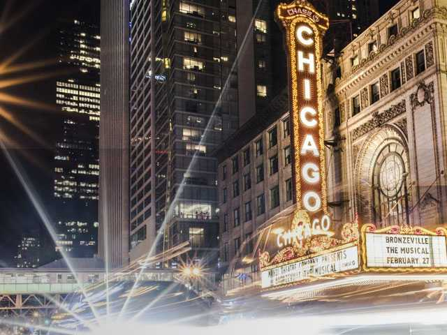 Curtain Up: Where to Stay for Your Chicago Theater Getaway