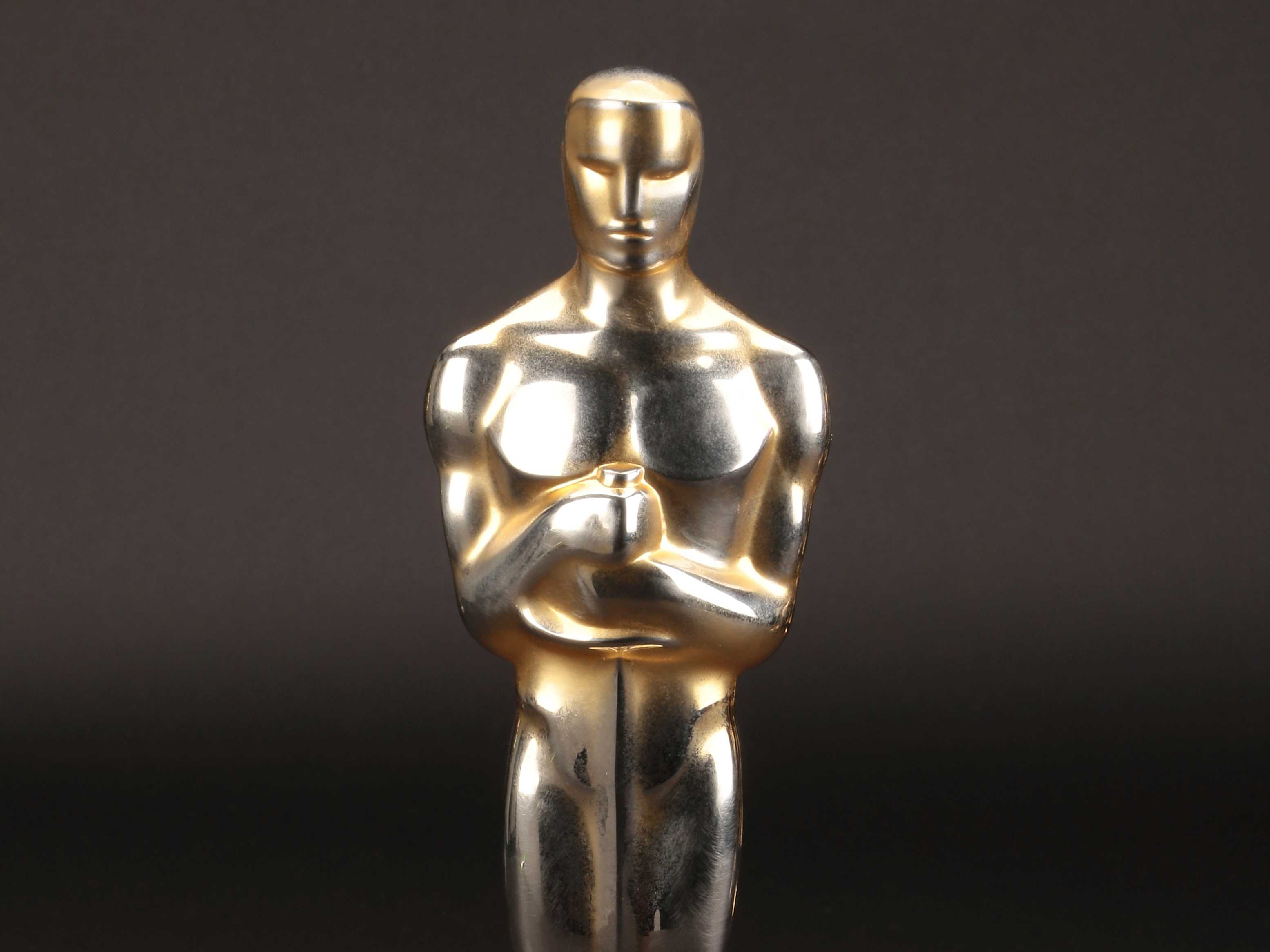 Best-Picture Oscars Up for Sale in Rare Auction
