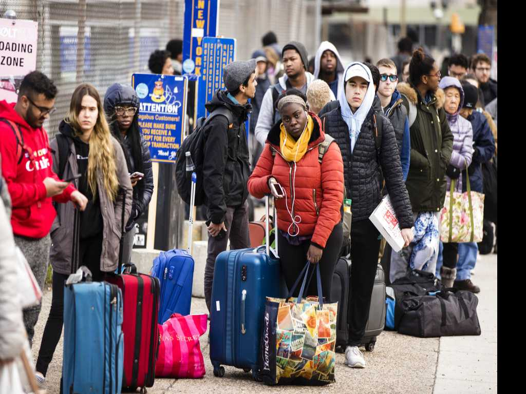 Thanksgiving Air-Travel Rush Off to a Good Start