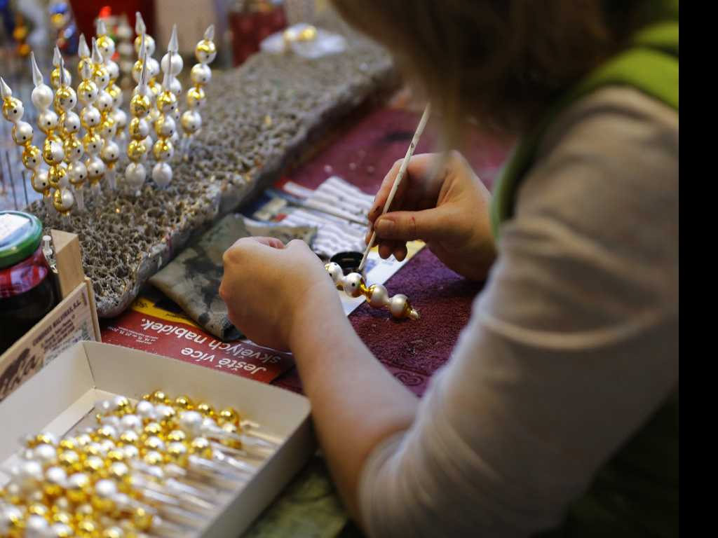 Czech Glassblowers Keep Christmas Tradition Alive