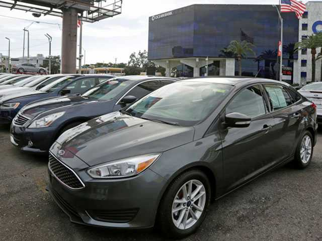 Edmunds: How to Shop for A Car When Interest Rates Are High