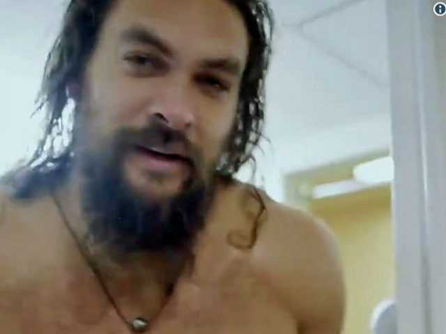 Watch: 'Aquaman' Star Jason Momoa Teases 'SNL' Hosting Gig...with Steamy Shower Vid