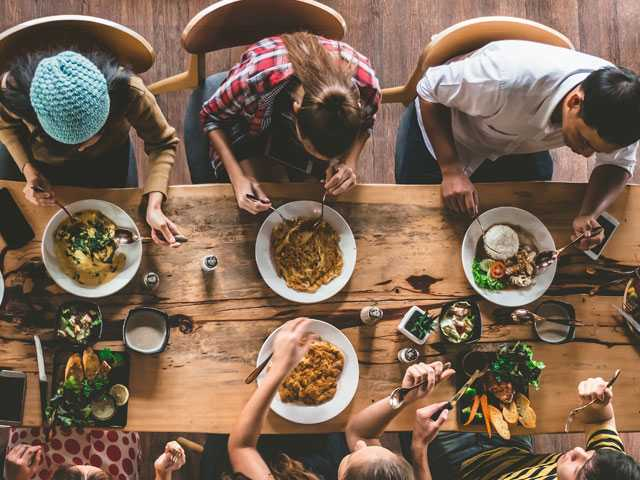 40 Percent of Diners Post Photos of Their Meals on Social Media