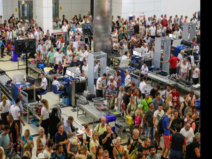 Airline Group Says Christmas Travel Will Increase by 5.2 Percent