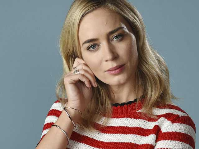 Emily Blunt on the 'Daunting' Task of Playing Mary Poppins