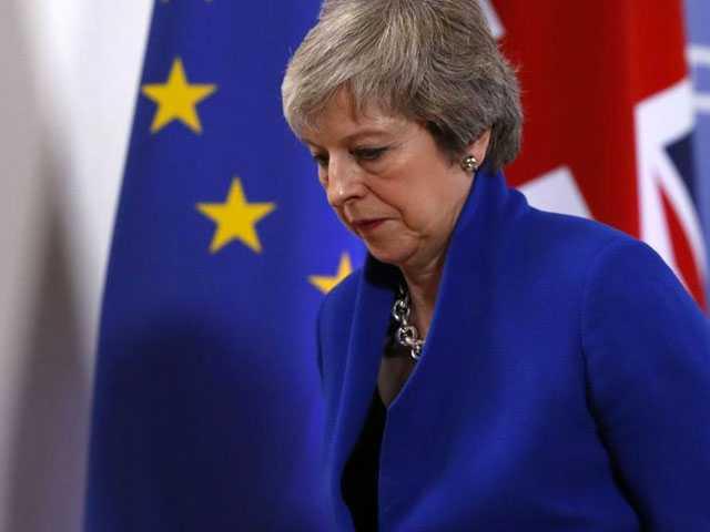 UK's May Seeks EU Lifeline After Surviving Confidence Vote