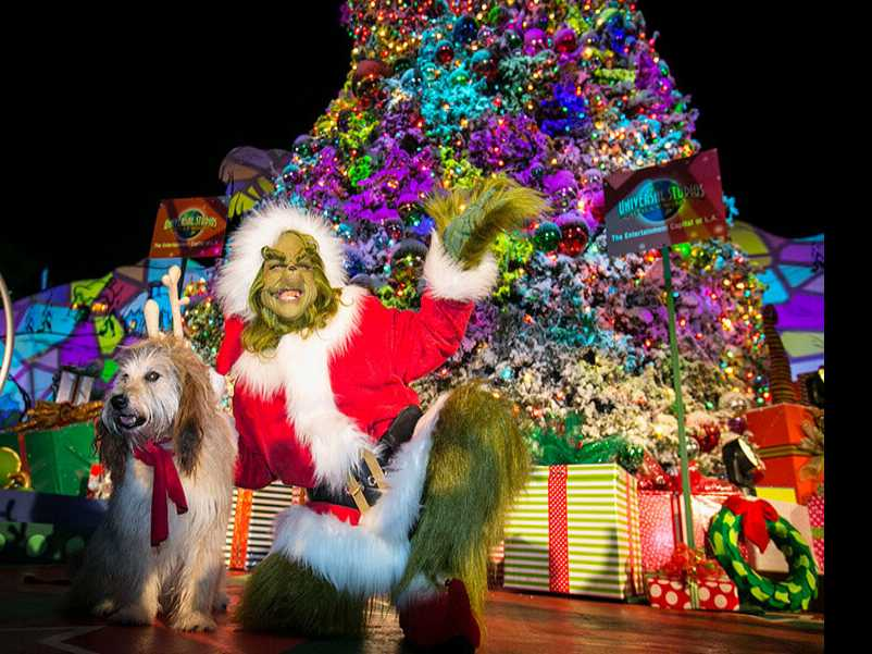 Review :: 'Universal Studios Grinchmas' and 'Christmas in the Wizarding World of Harry Potter'