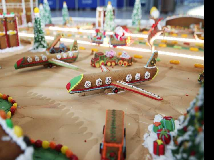 Heathrow Airport Reveals 1,000-Piece Gingerbread Model