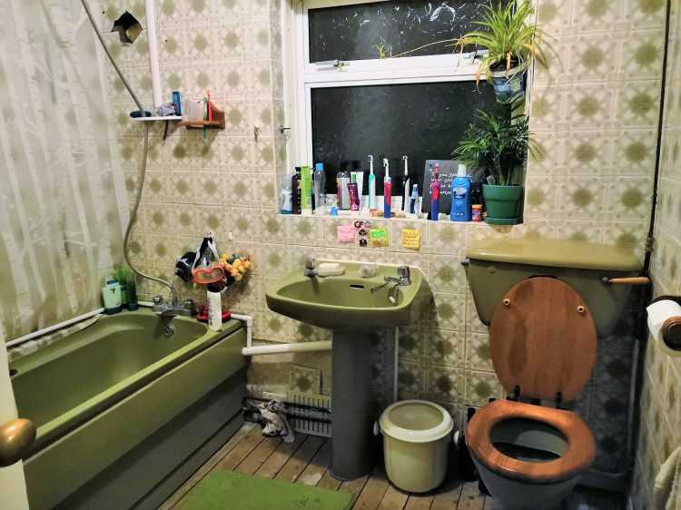 Look: Britain's Worst Bathroom