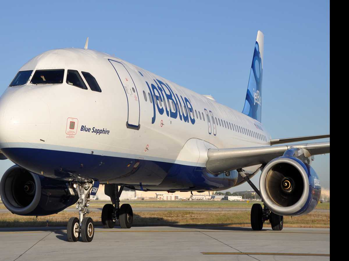 Man Charged in Ambien-Fueled JetBlue Flight Disturbance