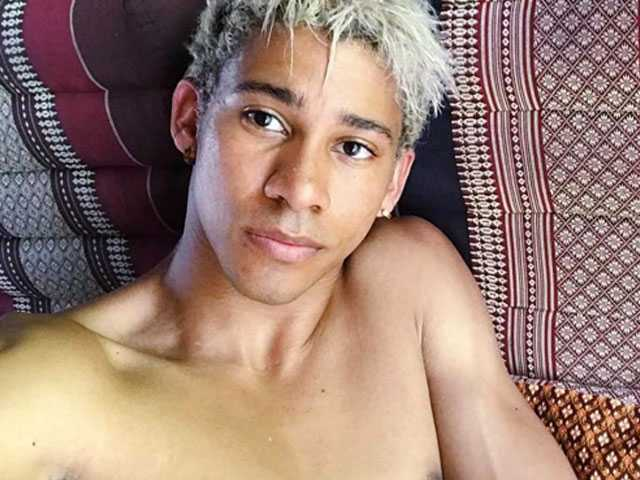 PopUps: 'Love, Simon' Star Stirs Up Social Media with Near-Naked Selfies