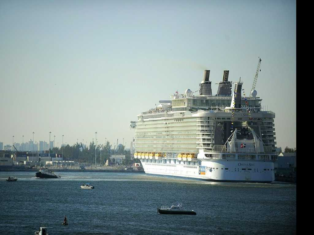 Norovirus Outbreak Sickens 277 on Oasis of the Seas