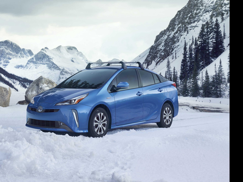 Edmunds: Top Picks for Fuel-Efficient All-Wheel Drives