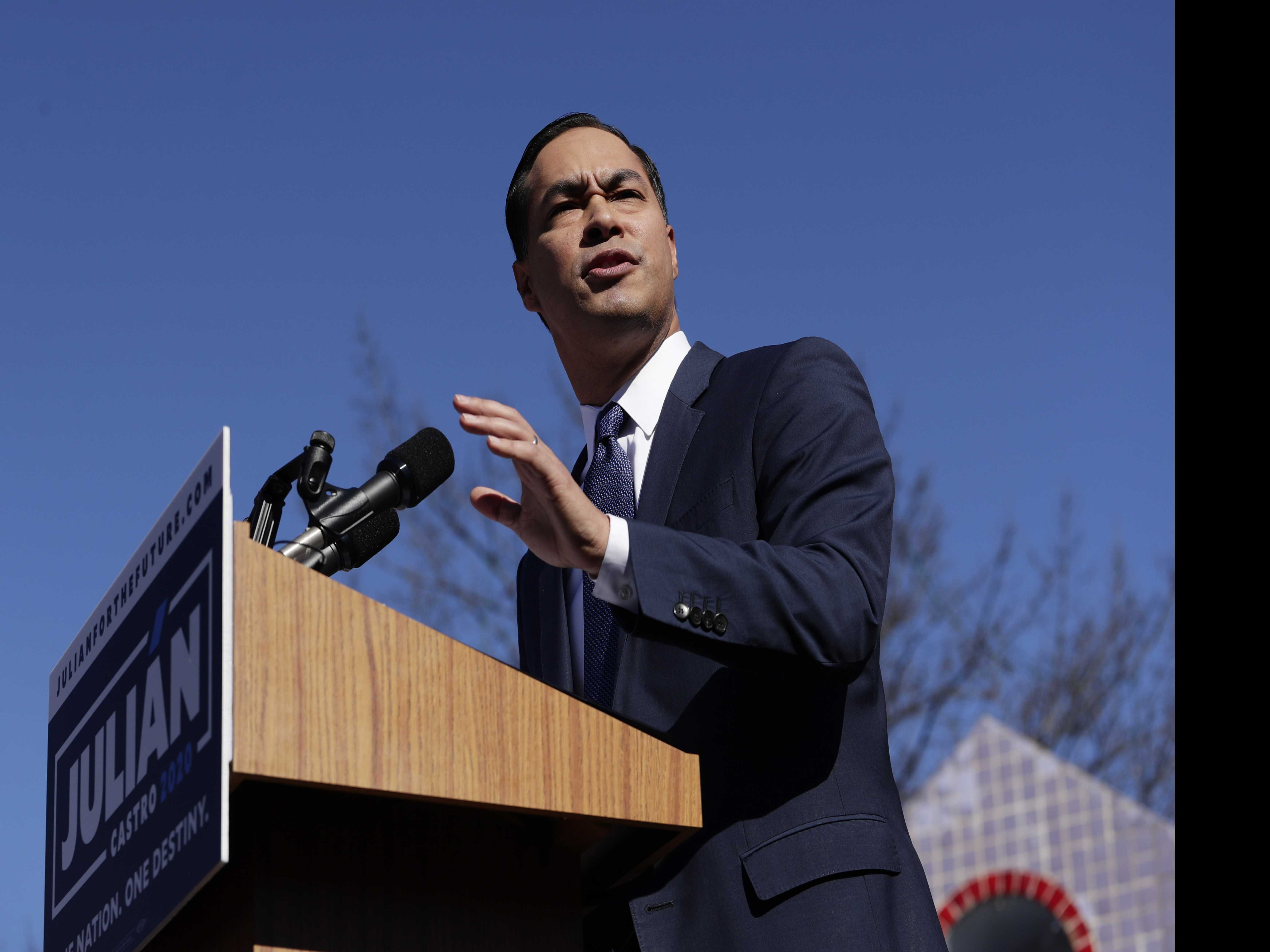 Democrats Lurch Left on Top Policies As 2020 Primary Begins