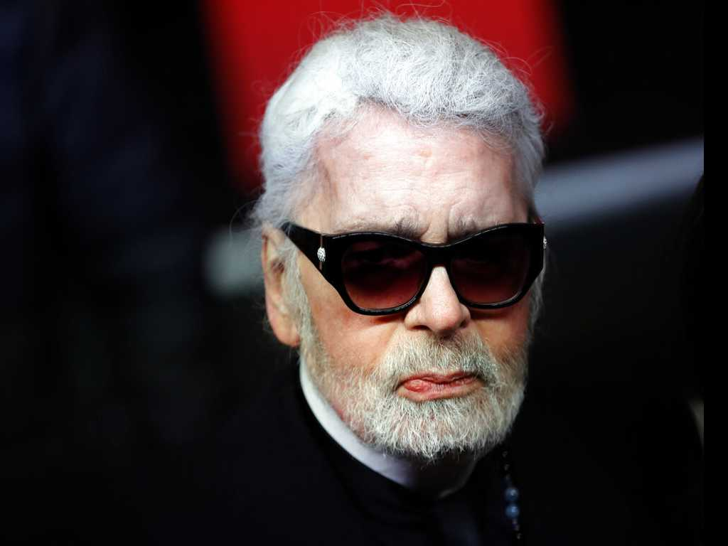 A Tired Lagerfeld Skips Paris Chanel Show