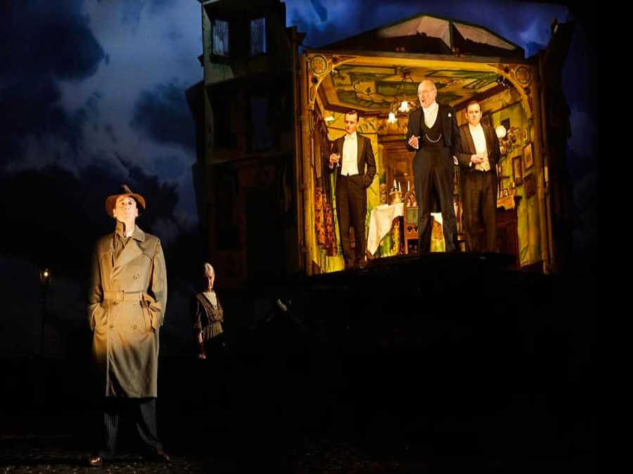 Review :: An Inspector Calls
